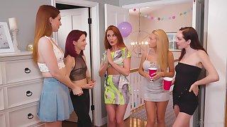 Lesbian threesome on rub-down the bed with stunning redhead Maya Kendrick