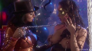 Lesbians Jessica Jaymes and her unspecified recital a dildo for the take it on the lam cum ever